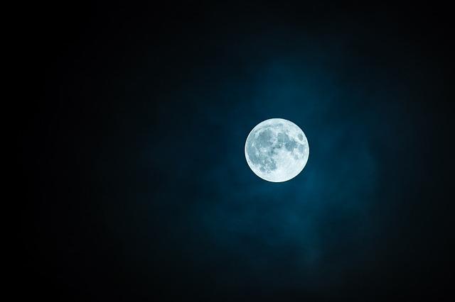 Mond - Mondumfang - Entfernung zur Erde